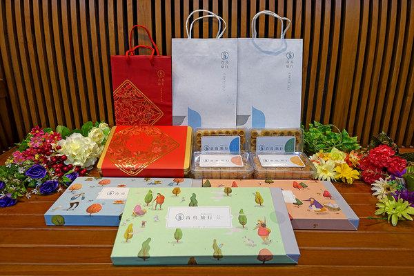 青鳥旅行肉鬆蛋捲禮盒 (1).jpg