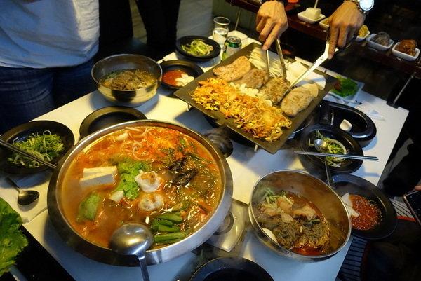 韓國八色烤肉 (1).JPG