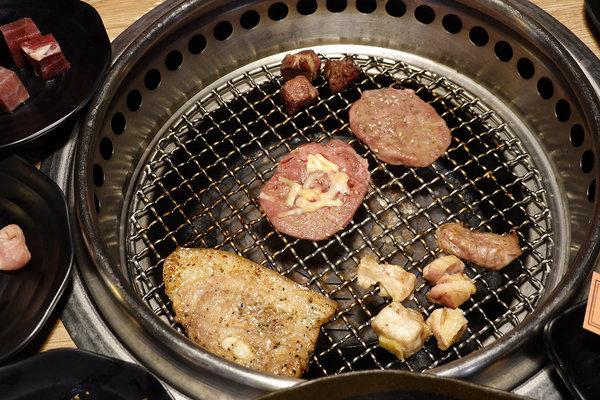 蘆洲燒烤火鍋吃到飽,赤富士日式無煙燒肉鍋物蘆洲店 (40).jpg