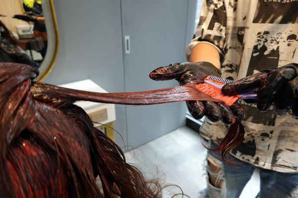 府中染髮推薦-AZONE髮廊,優質板橋平價剪髮、燙髮、染髮、護髮推薦 (25).jpg