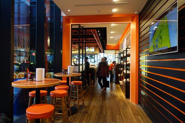 Hooters信義店-遠百信義A13餐廳推薦,遠百信義A13聚餐餐廳 (3).jpg