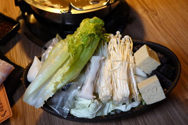 蘆洲燒烤火鍋吃到飽,赤富士日式無煙燒肉鍋物蘆洲店 (22).jpg
