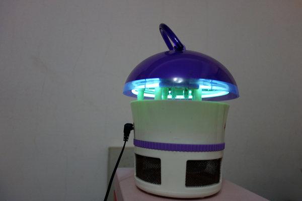 省電王 二代LED捕蚊燈 S108 (3).JPG