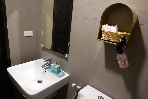 府中染髮推薦-AZONE髮廊,優質板橋平價剪髮、燙髮、染髮、護髮推薦 (38).jpg