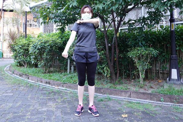 3分鐘無跳耀、不需器材的居家運動-你不知道的國民健身操 (6).jpg