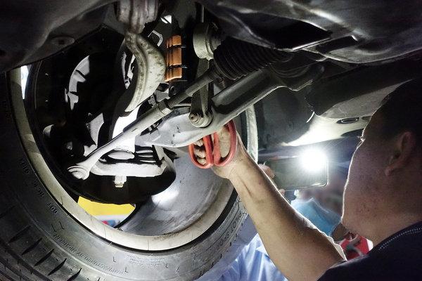 氣壓避震器改傳統?解決機械避震器的搖晃-powerloop超能利·勁油力 (16).jpg