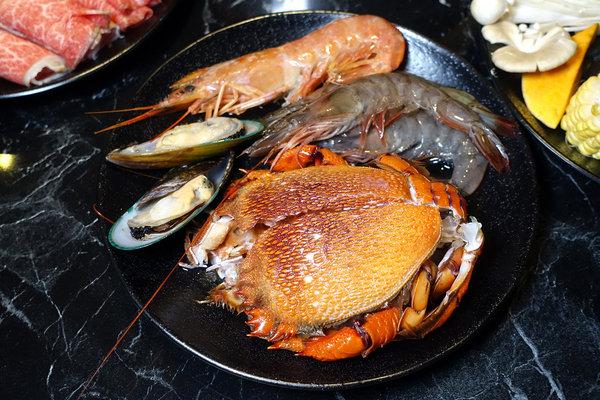 台北聚餐火鍋吃到飽-嗨蝦蝦百匯鍋物吃到飽,罐裝啤酒喝到飽 (35).jpg