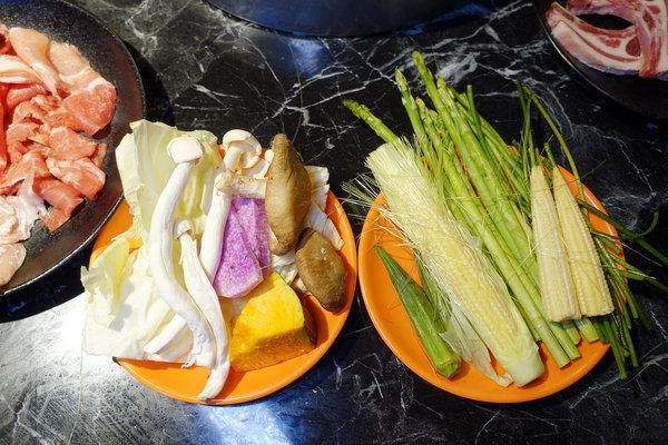 台北超值火鍋-丼賞和食嗨蝦蝦百匯鍋物吃到飽 (50).jpg