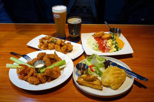 Hooters信義店-遠百信義A13餐廳推薦,遠百信義A13聚餐餐廳 (1).jpg