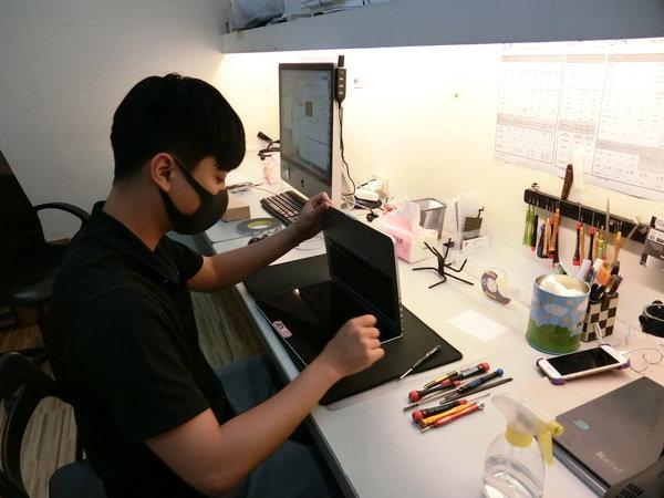 整機清潔過程-台北iphone維修推薦