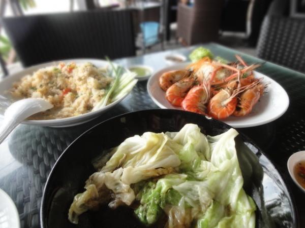 (美食 芭堤雅) Suttangrak Seafood ~  推! 坐擁180度海景之超平價海鮮餐廳!
