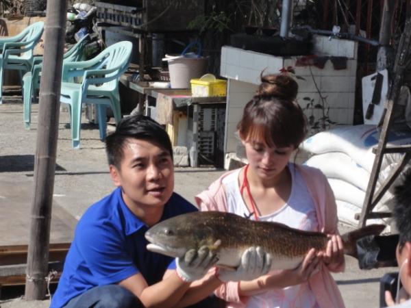 (360行向前衝) 挑戰釣巨無霸怪物魚 (週六21點請鎖定非凡電視台) 2013/3/16首播
