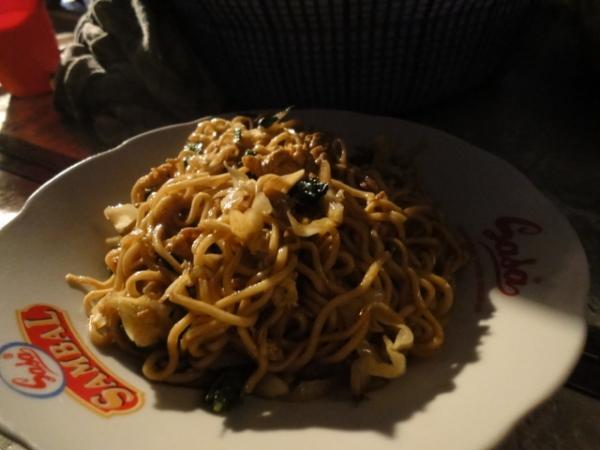 (美食 印尼雅加達) Nasi Goren ~ 超美味路邊印尼炒飯&炒麵