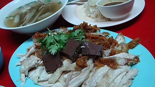 (旅遊~美食~泰國 曼谷) 海南雞飯 ~ 宵夜好選擇!