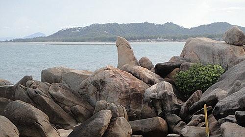 (旅遊~泰國 蘇梅島) 阿公阿婆石 ~ 拍照留念好去處