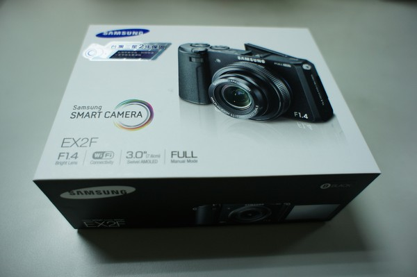(3C開箱文)Samsung EX2F 相機~ f/1.4超大光圈+ WiFi 功能可隨時分享