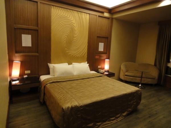 (住宿 台中) 采岩汽車旅館 ~ 超俗! 每晚1060元起住motel