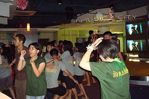 (旅遊~泰國 曼谷)曼谷唱K好去處 SF MUSIC CITY