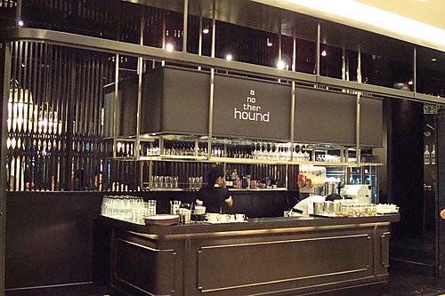 (旅遊~美食~泰國 曼谷) Another Hound ~ 賣義泰混血菜的超有型cafe