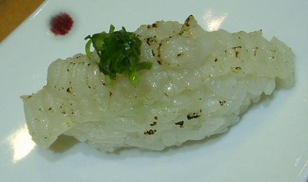 (美食~高雄)義郎 銘壽司~必嚐油脂豐厚的炙燒比目魚握壽司