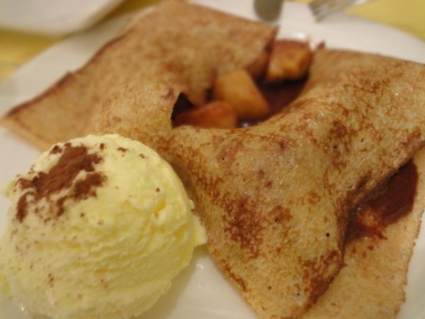 (美食 台北 中山站) 法蕾薄餅咖啡屋 ~ 必點:酒釀黑櫻桃加冰淇淋