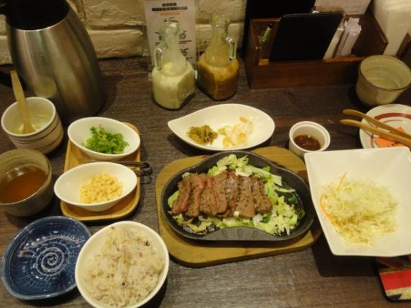 (美食 台北車站) 炭燒牛舌TAN (乾杯系列) ~ 必吃帥哥主廚炭火現烤牛肉
