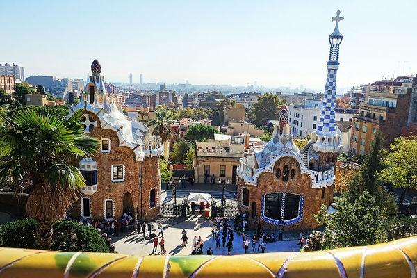 巴塞隆納 Barcelona | 奎爾公園 Parc Güell 天馬行空的童話世界