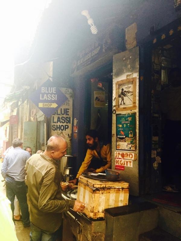 三個傻瓜印度行Part2.所有的故事都從這間Blue Lassi開始
