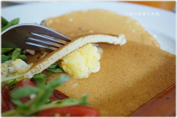 0c0f91cd e546 4ac4 82c8 b4677ced697c - KUP coffee&pancakes║不限時早午餐,免費網路、插頭,清新綠意令人心曠神怡的用餐環境