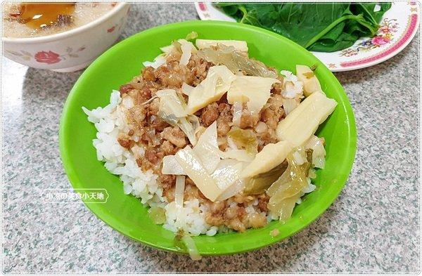 117a8543 6548 424b befa dae349a3c336 - 台中傳統早午餐║樂業路上炒麵、正宗麻豆碗粿、隔間肉湯、只要銅板價就能吃飽飽~~