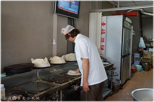 159e60f2 39e5 4025 9751 98842895930d - 幸福潤餅║台灣百大小吃。隱藏在第二市場旁.讓你滿嘴料超滿足