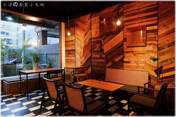 15d7b34f 2f04 41f6 b7f8 51b4faee8794 - (熱血採訪)煙燻咖啡館║巷弄寧靜咖啡味。來場鬆餅PARTY,內餡自由搭配,玩翻你の味蕾