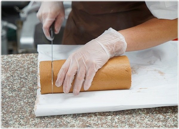 43e783fc bacc 4518 95a5 944e5d98d125 - 熱血採訪│台中超浮誇生乳捲來囉,獨創30種口味,有選擇障礙千萬不要來品麵包