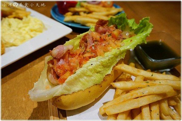 4671b9c4 589e 412b 82c1 f2c25abcc2de - (熱血採訪)Mambo Burger慢堡(東海店+wifi)。北歐風格美式早午餐全天供應。東海大學美食