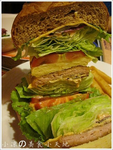 735765 - 台中素食美式餐廳/可看球賽/可歡樂/聚餐生日趴/漢堡,排餐,炸物,飲料,調酒樣樣瓏屋