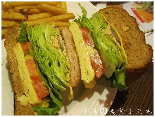 735766 - 台中素食美式餐廳/可看球賽/可歡樂/聚餐生日趴/漢堡,排餐,炸物,飲料,調酒樣樣瓏屋