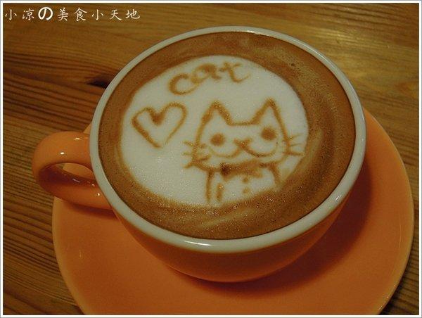 86feecb4 c607 40a1 8d7f 37c904800750 - 貓。旅行咖啡輕食館/立體貓咪拉花超療癒。貓飯更萌~