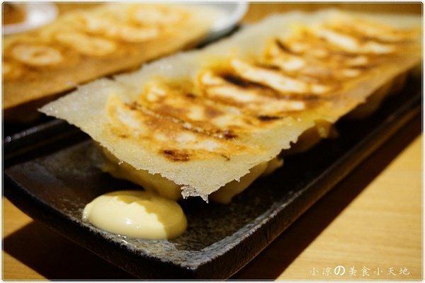 89ce3255 e584 4790 a813 f99a7e9723dc - 有喜屋Ukiya日式煎餃居酒屋║公益路美食。傳統的日式居酒屋。竟然只賣煎餃?!