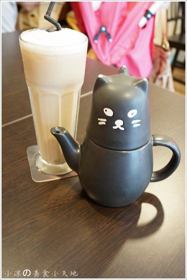 8e800739 6830 4b4d a2b4 ba19bfc8e799 - (熱血採訪)隱藏在寧靜巷弄內的貓餐廳─IVORY TOWER CAF'E 象牙塔咖啡