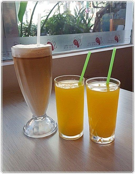 a774a54a b3d5 4c57 879e dbea75c620cc - 貝拉索咖啡,植栽綠意盎然空間,早午餐、義式料理、炒飯、下午茶通通都有~~