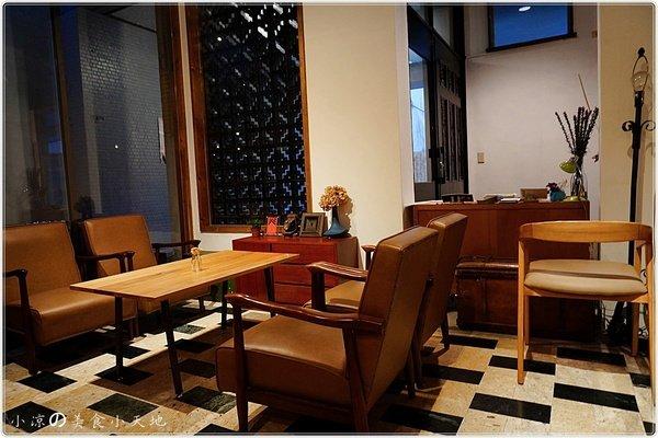 b4657f2c b190 41d8 8179 89f5312f8b95 - (熱血採訪)煙燻咖啡館║巷弄寧靜咖啡味。來場鬆餅PARTY,內餡自由搭配,玩翻你の味蕾