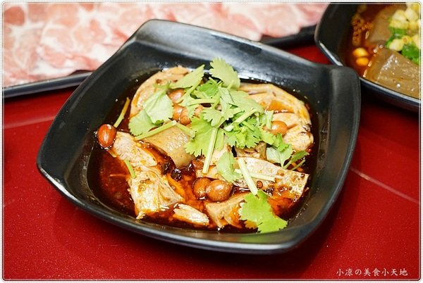 b7ef9dbd b2fa 496b a4a8 60773eb966e9 - 熱血採訪║小瀋陽酸菜白肉鍋,景泰藍炭燒鍋,生猛海鮮、真材實料好湯底,一個人也可以獨享