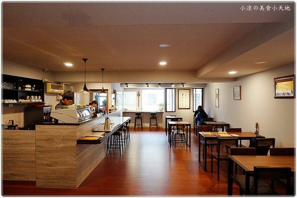 d01f4317 8725 45da b313 97c8421fab18 - 熱血採訪│大樓裡隱藏版復古風的篆香小樓,原以為台式餐廳沒想到竟然是...(已歇業)