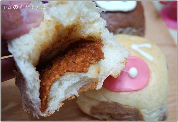dc91a642 2efb 4218 bf61 da6a47848200 - 一森手工烘焙坊║暑假最夯小小兵現身。最萌最耀眼的小小兵麵包你捨的吃嗎?