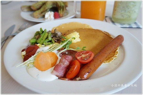 eeaa856d cc86 4581 a482 890c7b0ad58a - KUP coffee&pancakes║不限時早午餐,免費網路、插頭,清新綠意令人心曠神怡的用餐環境
