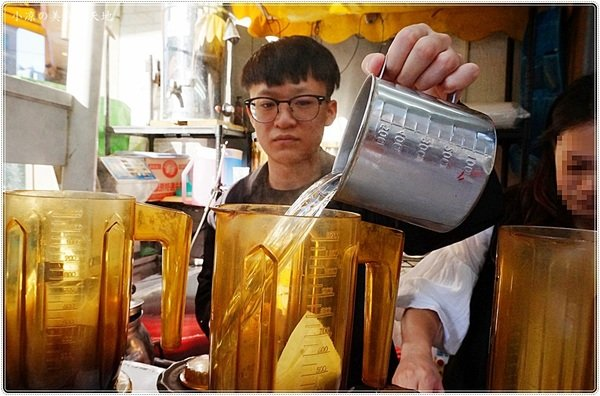 faf578a2 6f47 492a 9119 c278749ec10b - 熱血採訪│一中街現泡茶,茶葉精心挑選,現點現泡散發清新茶香,口味選擇多、新鮮喝得到