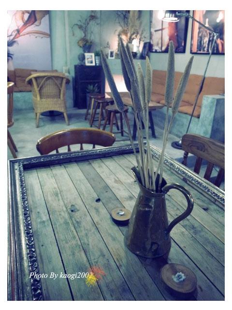 【食在台北】Costumice Cafe。在藝廊喝咖啡