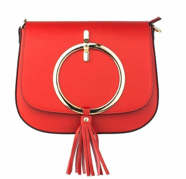 圖4_aBoutmi金屬圓環造型流蘇肩背包艷麗紅,建議售價NT$8,380.jpg