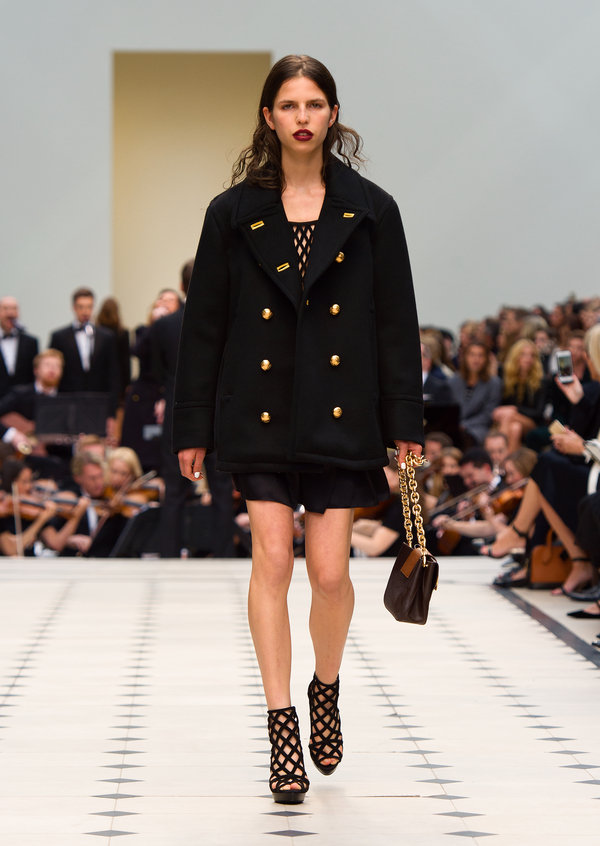 Burberry Womenswear S_S16 Collection - Look 7.jpg