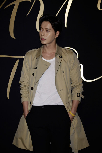 Park Hae Jin wearing Burberry at Art of the Trench Seoul 2016 event, 3 March 2016_002.jpg